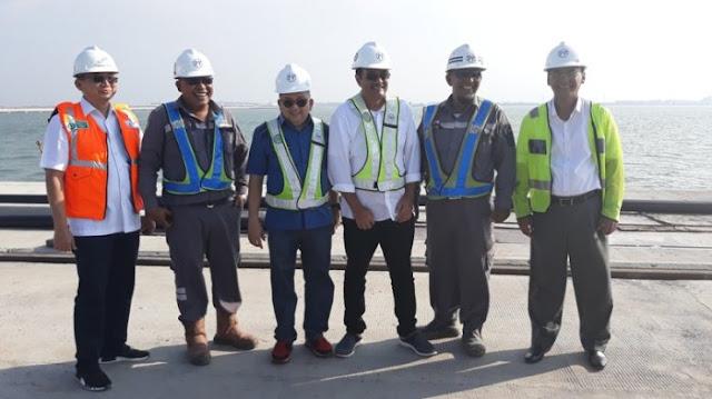 Djarot Puji Presiden Jokowi Begini saat Berkunjung ke Proyek Pelabuhan Kualatanjung