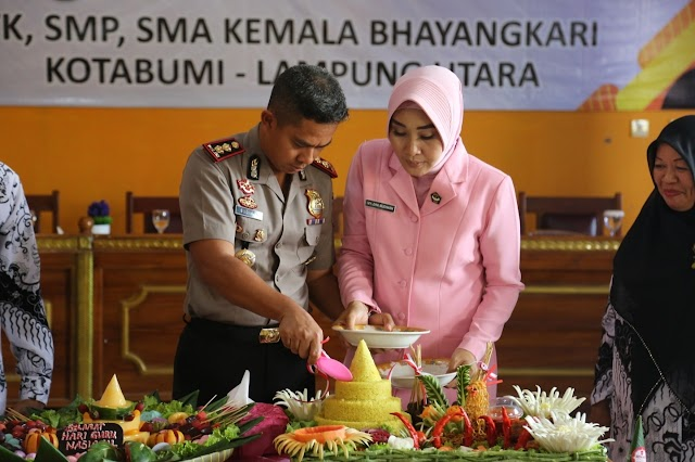 Peringati Hari Guru, Yayasan Kemala Bhyangkari Lampung Utara Gelar Syukuran