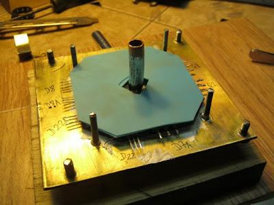 монтаж элементов на теплообменник, слой силикона