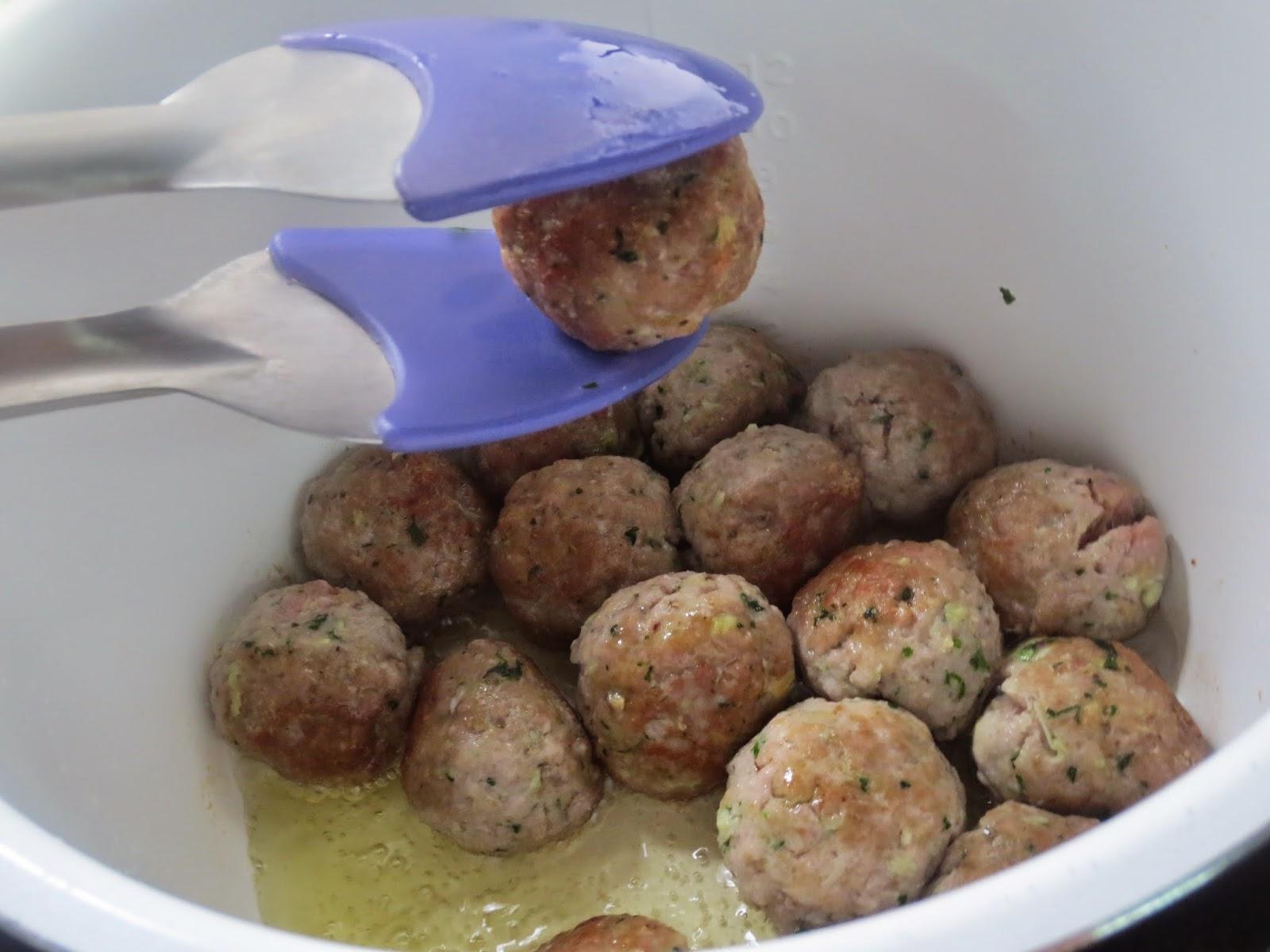 Albóndigas en salsa de almendras olla GM
