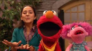 Elmo, Leela and Abby Cadabby sing Elmo Feels Proud. Sesame Street The Best of Elmo 3