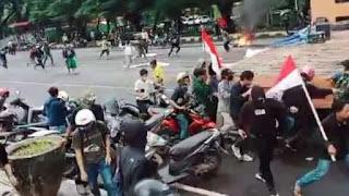 Pendemo Tolak HRS di Makassar Dikejar dan Dilempari
