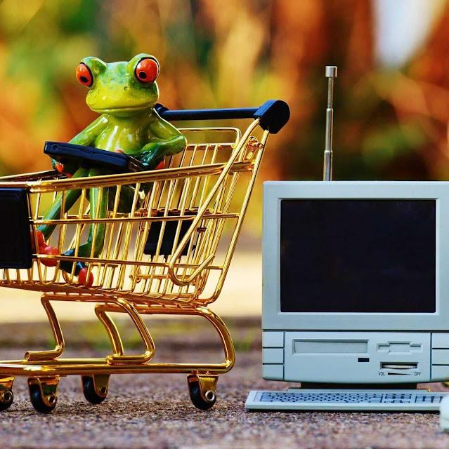 antri di kasir supermarket selalu memberikan pengalaman yang beragaman. kesabaran selalu diuji ketika berada di antrian kasir supermarket. ada orang yang suka menyela antrian dengan berbagai alasan.