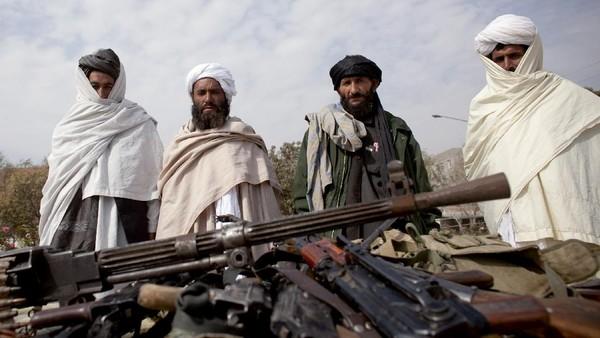 Situasi Memburuk, Inggris Serukan Warganya Tinggalkan Afghanistan