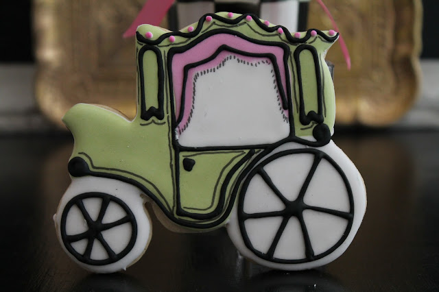 Princess Carriage cookie , Baby shower cookies, princess baby shower cookies @www.thecookiecouture.com