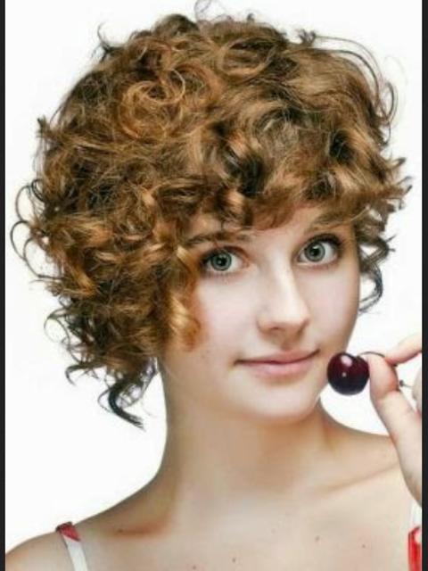 model rambut pendek wanita untuk wajah bulat