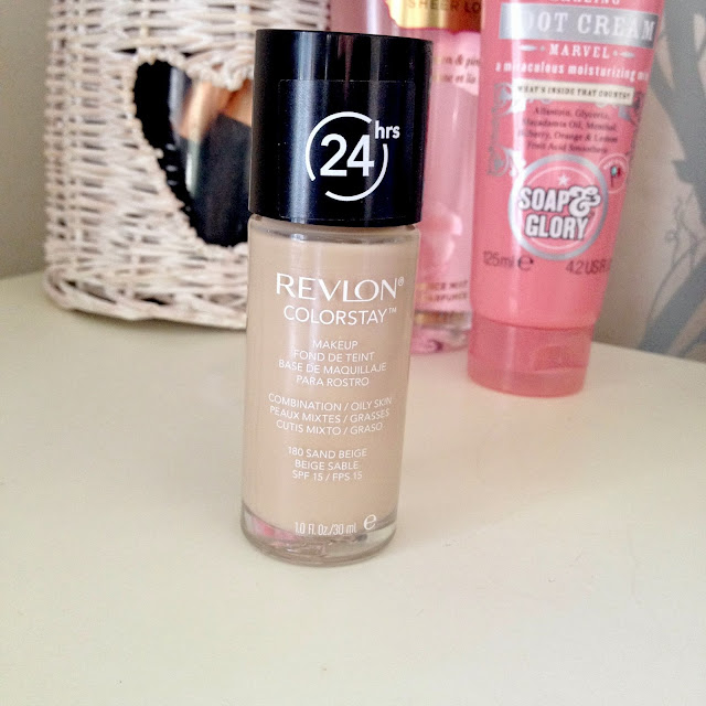 Revlon Colorstay Foundation Review & Swatches