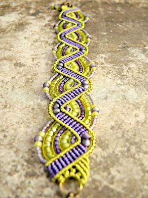 ZigZag macrame bracelet.