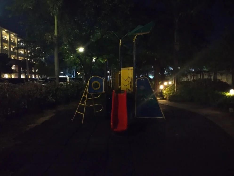 TCL 20 SE Camera Sample - Night, Playground