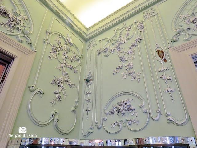 Palacete Violeta (adornos de parede da Sala dos Pássaros)