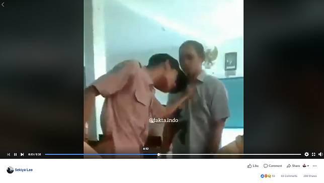 Heboh Video Siswa SMP di Gresik yang di tegur Gurunya karena merokok didalam kelas