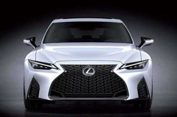 Lexus IS 300 F-Sport 2021