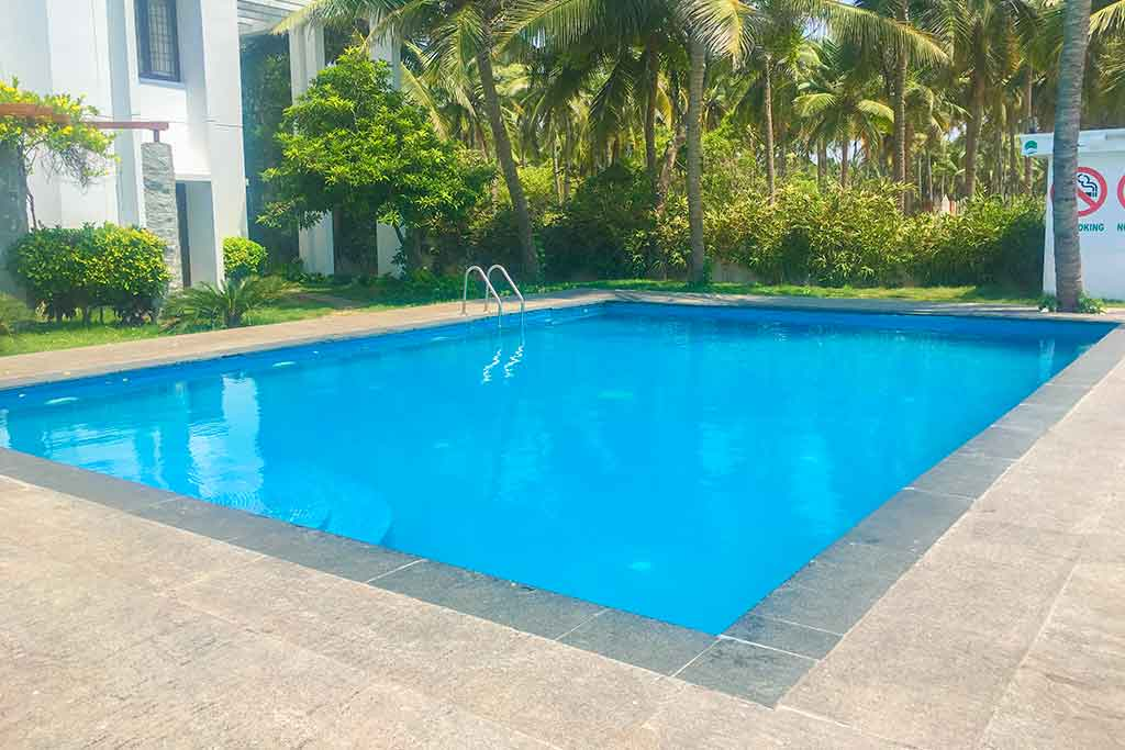 private beach house in ecr