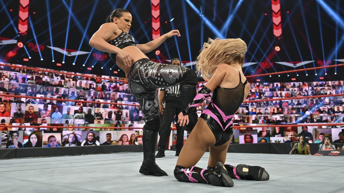 Estrelas retiradas do WWE Clash of Champions não testaram positivo para a COVID-19