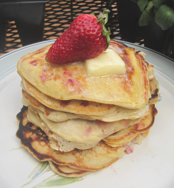 How to Make Strawberry Cheesecake Pancakes