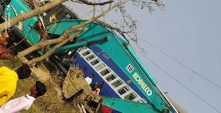समस्तीपुर खगड़िया रेल खंड पर ट्रेन और जेसीबी में टक्कर, जानकी एक्सप्रेस हुई दुघर्टनाग्रस्त