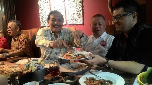 Luhut Sebut Ekspor Benih Lobster Dinikmati Rakyat, Pengusaha Ungkap Kejanggalan