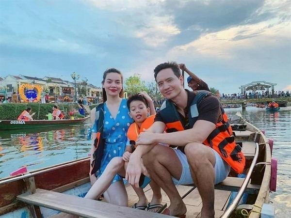 Hồ Ngọc Hà – Kim Lý nghệ nhân thổi kèn Tây: lộ hàng ở khắp mọi nơi