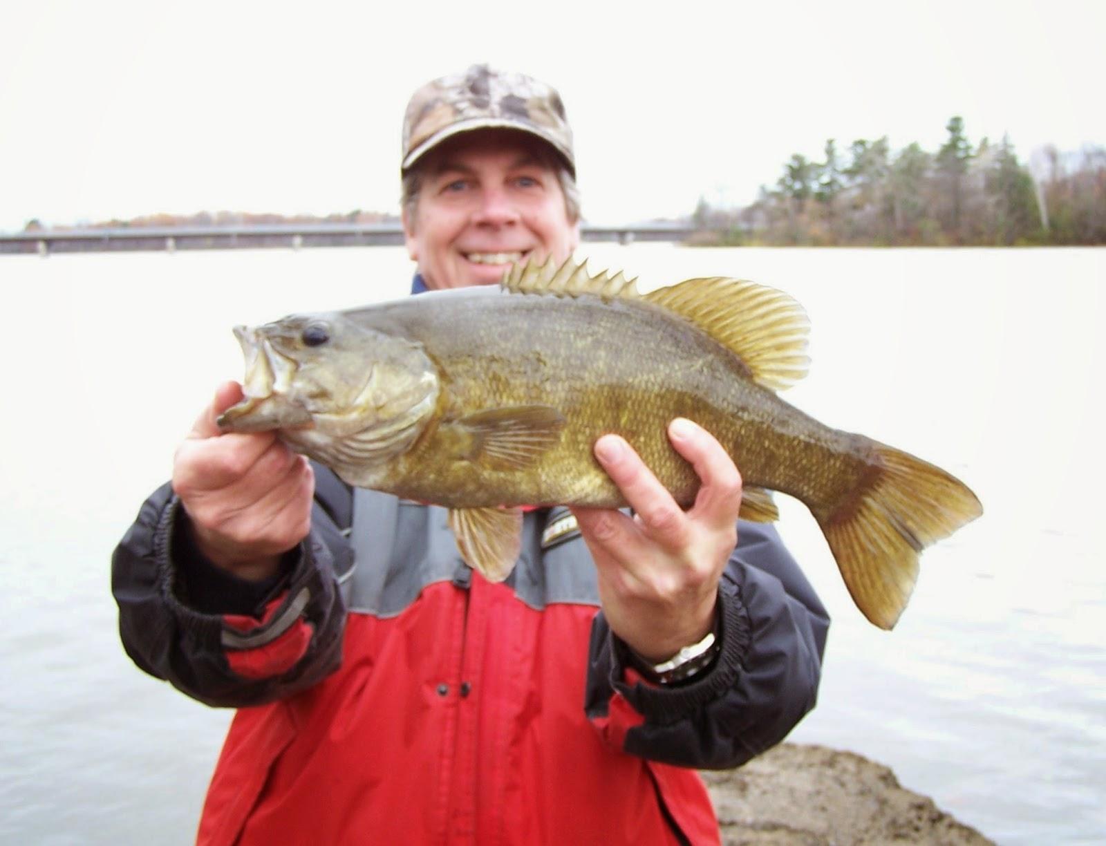 Blogue sur la pêche, pêche achigan, pêche lac Saint-Pierre, pêche fleuve Saint-Laurent,parlons pêche, Daniel Lefaivre