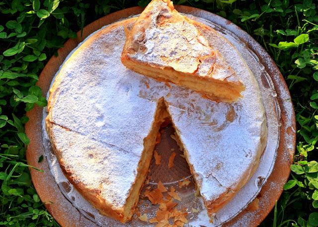 Pita-s-jabukama-grizom-pavlakom