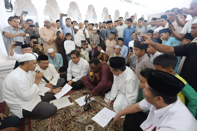 Mahasiswa Asing Asal Afrika Masuk Islam di Aceh