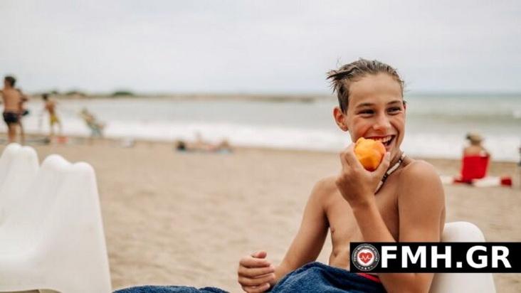 Φαγητό στη παραλία: Έξυπνες και θρεπτικές επιλογές