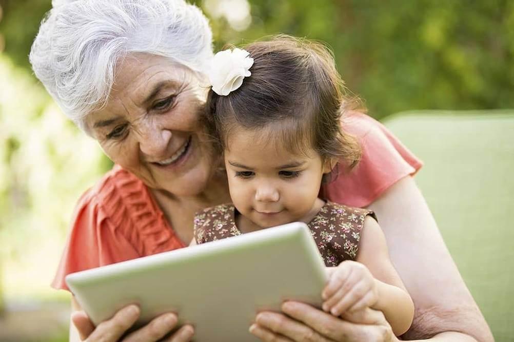 Avós e Criação dos Netos - Eduque a criança por meio de brincadeiras