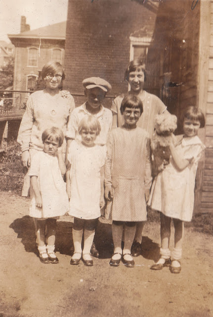 The Meinzen Cousins in Steubenville, Ohio, about 1927:  Back row: Gladys Hashman, Sid Harris, Audrey Meinzen (my mom)  Front row: Betty Harris, Doris Meinzen, Geraldine Meinzen, Bertha Harris