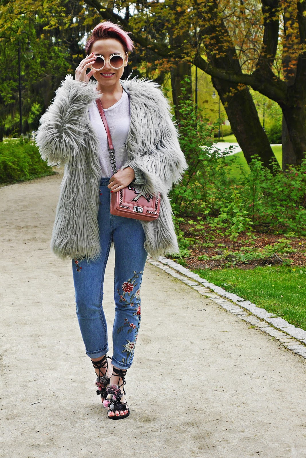 spodnie_haft_szare_futerko_look_ootd_karyn_blog_020517a