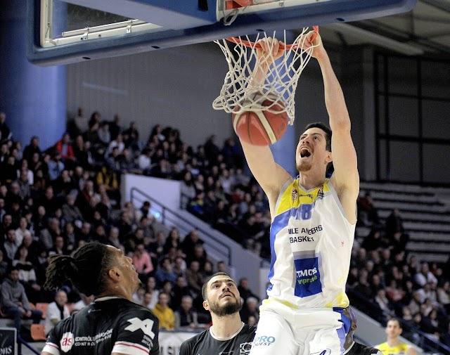 Felipe Braga lamenta a cancelamento da temporada de basquete na França no momento que vivia maior evolução.
