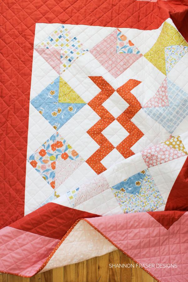 Harvest Falls Quilt | Shannon Fraser Designs #modernquilt #halfsquaretriangles