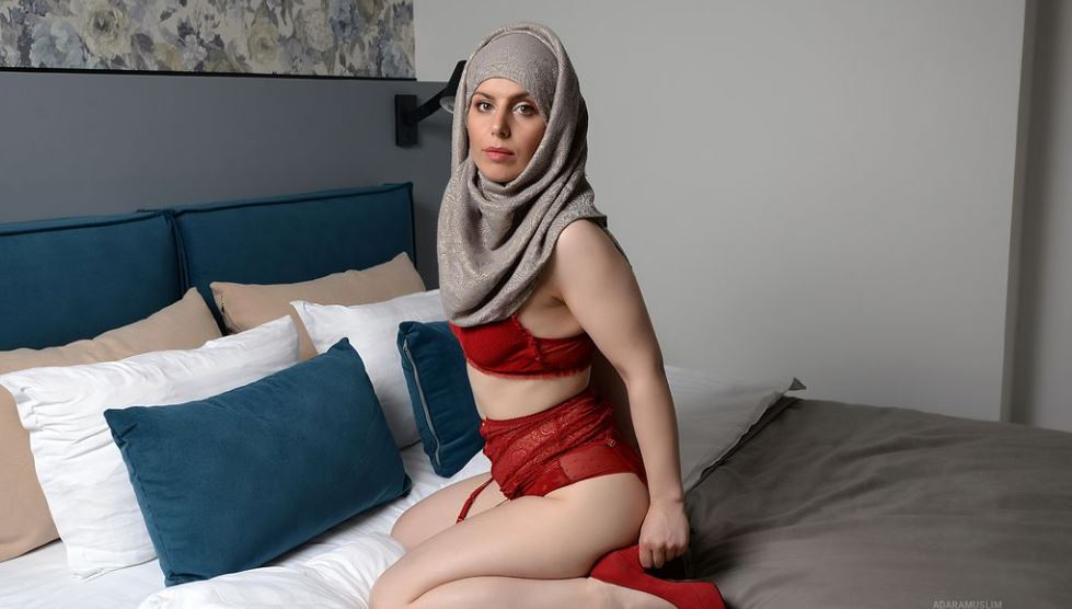 AdaraMuslim Model GlamourCams