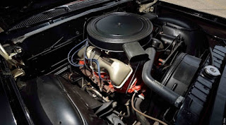 1962 Chevrolet Biscayne Engine 01