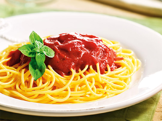 Resultado de imagem para imagens de espaguete ao sugo