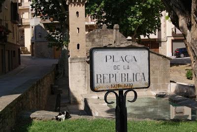 Plaça de la República o de la Font (Torà) per Teresa Grau Ros