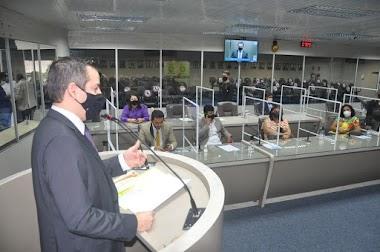 Em audiência pública, Câmara Municipal de Campina Grande discute adoção de crianças