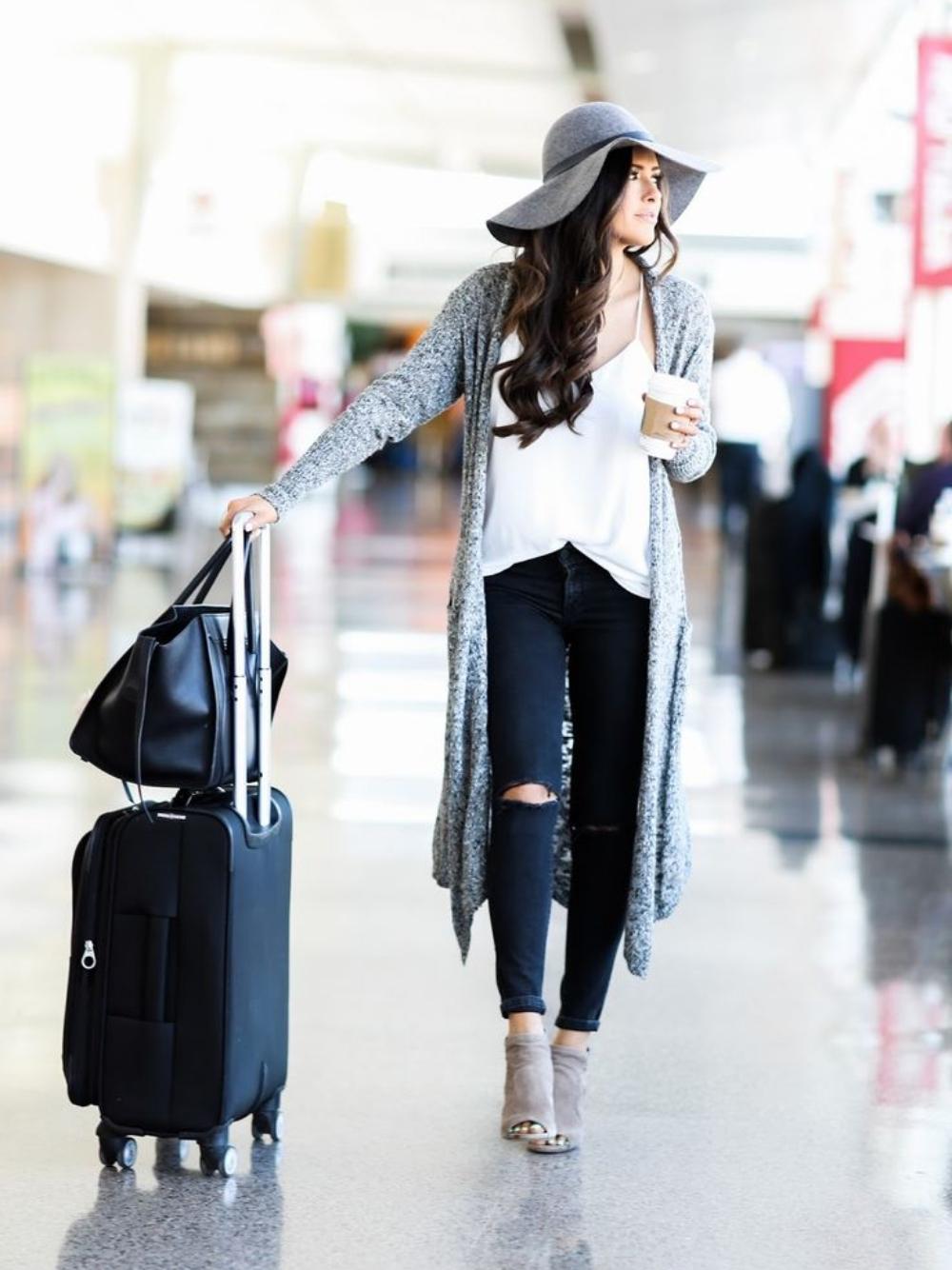 Darauf solltet ihr bei der Kleidung auf Flugreisen achten