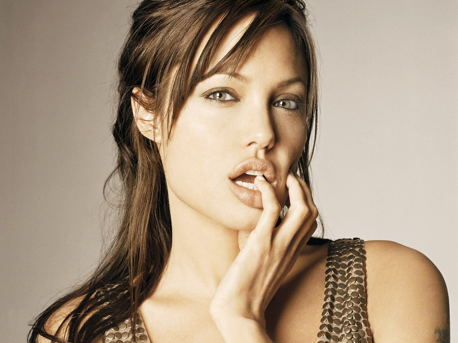 Wallpaper Collections: Angelina Jolie HD Wallpapers