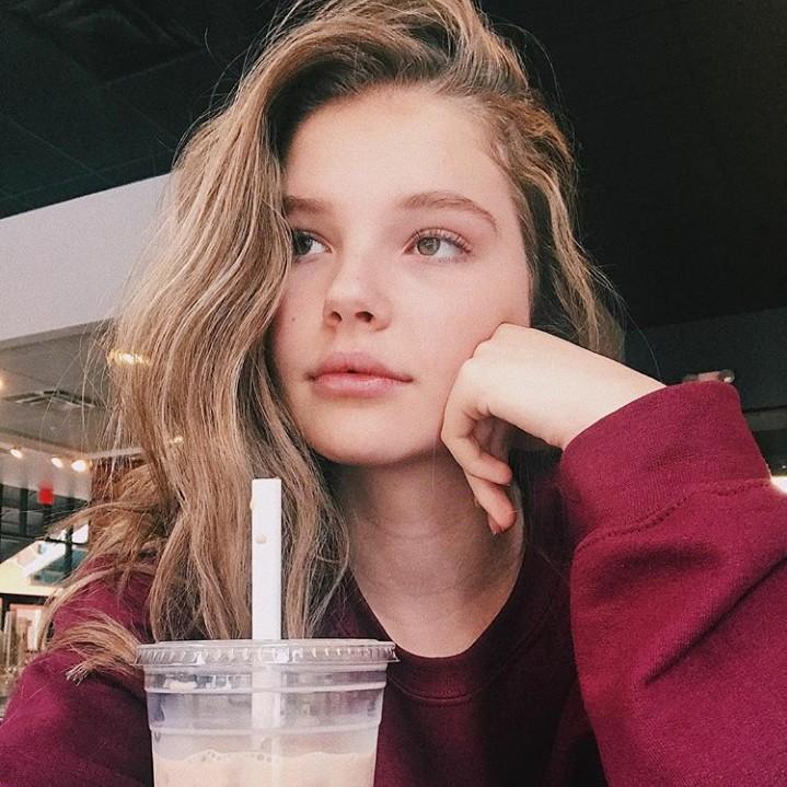 Ellie Thumann Celeb Pics