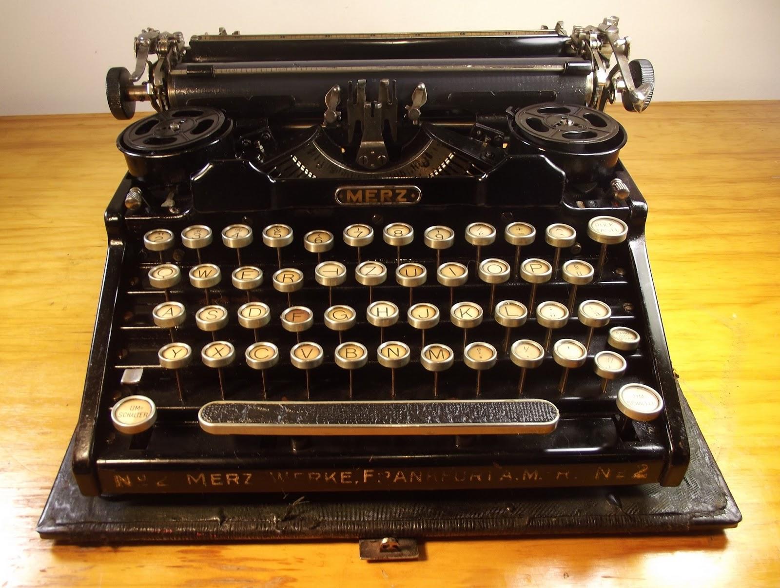 Merz: Oz.Typewriter: Merz Typewriter