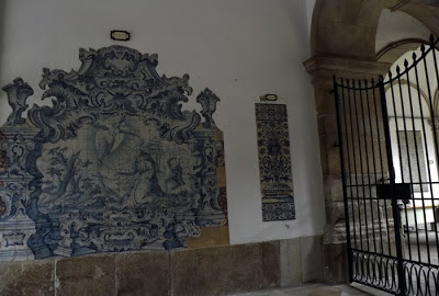 Azulejos na Biblioteca Municipal do Porto