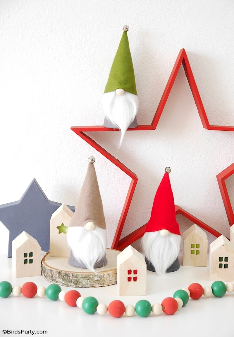 DIY No-Sew Christmas Gnomes with FREE Templates - easy and quick to make Scandinavian inspired craft gnome decor for the winter holidays! by BirdsParty.com @birdsparty #diy #crafts #christmas #christmasgnomes #scandinaviandecor #scandinaviangnomes #diygnomes #nosew #nosewgnomes #freetemplates #diychristmas #diychristmasdecor #christmasdecor #diychristmasgnomes #christmasgnomes