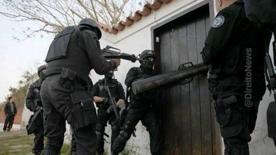 invasao barraco abandonado policiais mandado valida