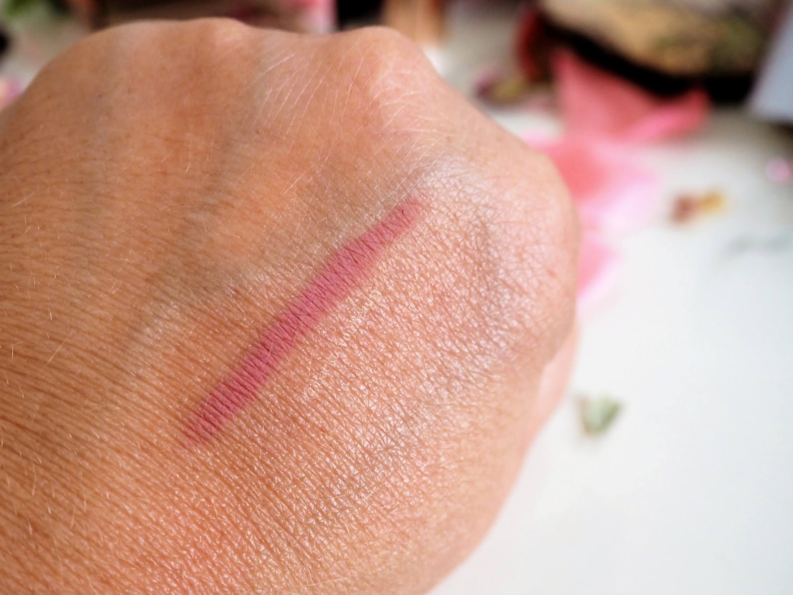 Charlotte Tilbury Lip Cheat in Pillow Talk swatch