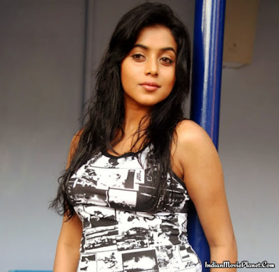 shamna kasim poorna hot tight jeans images