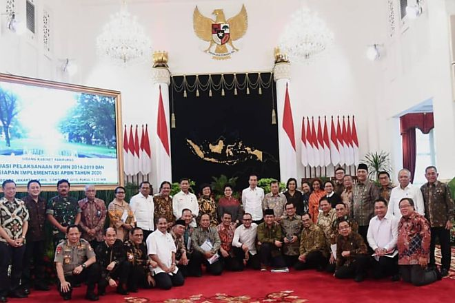 Susunan Kabinet Menteri Jokowi Tersebar di WA, Ternyata Ini Fakta Sebenarnya