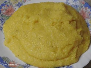 Mamaliga de casa reteta traditionala romaneasca taraneasca de casa gatita mamaliguta la ceaun cu apa sare si faina de porumb sau malai grisat retete culinare,
