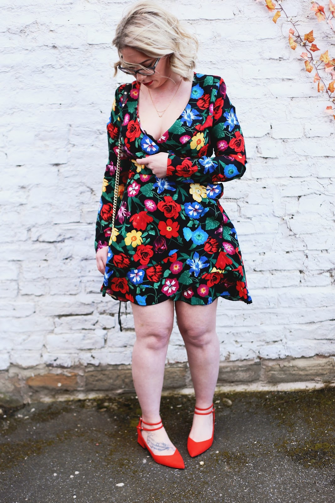 MissGuided Red Floral Wrap Dress