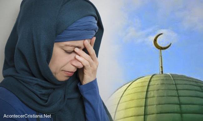 Musulmana abandona el Islam
