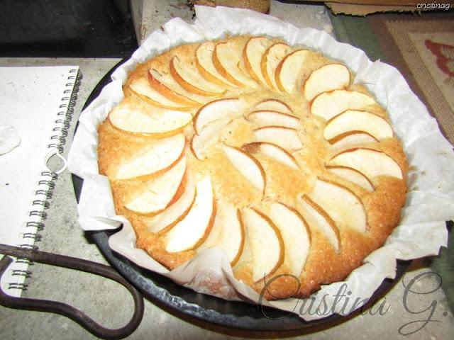 Tort (chec) de post (vegan) cu mere și morcovi